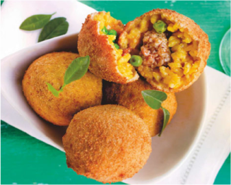 Image © http://www.italyzone.it/viaggi/2013/04/18/arancini-alla-siciliana/. Also visit the site for a recipe!