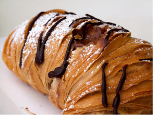Sfogliatella. Photo by Guillermo Estevas