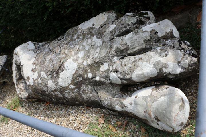 pratolino-statue-stone.jpg